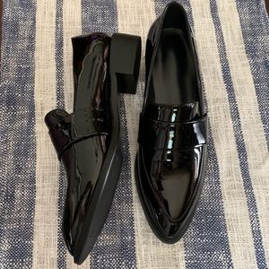 Shoes - Patent leather pointed toe loafers